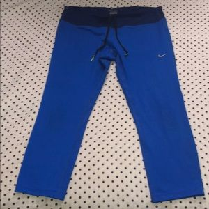 Nike Dri-Fit blue running capris with back pocket